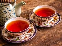 Schwarzer Breakfast Tee - AKTIONSTEE